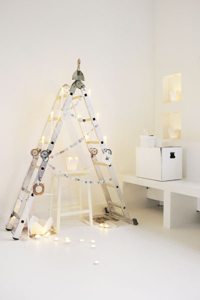 ladder-as-christmas-tree