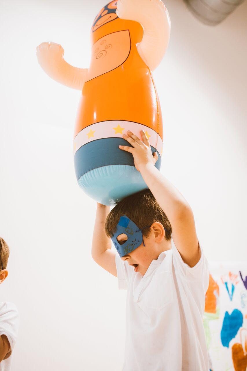 Fiestas infantiles en Happymilk con sala lounge para padres