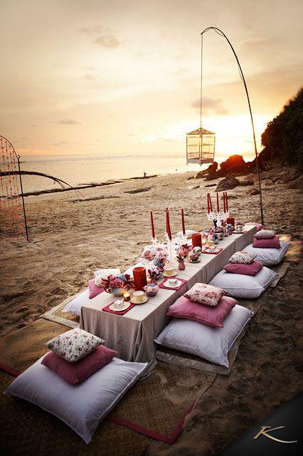 fiesta en la playa cena