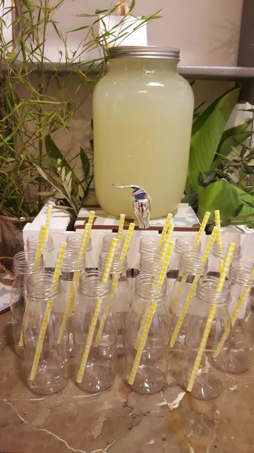 limonada y botellitas it party